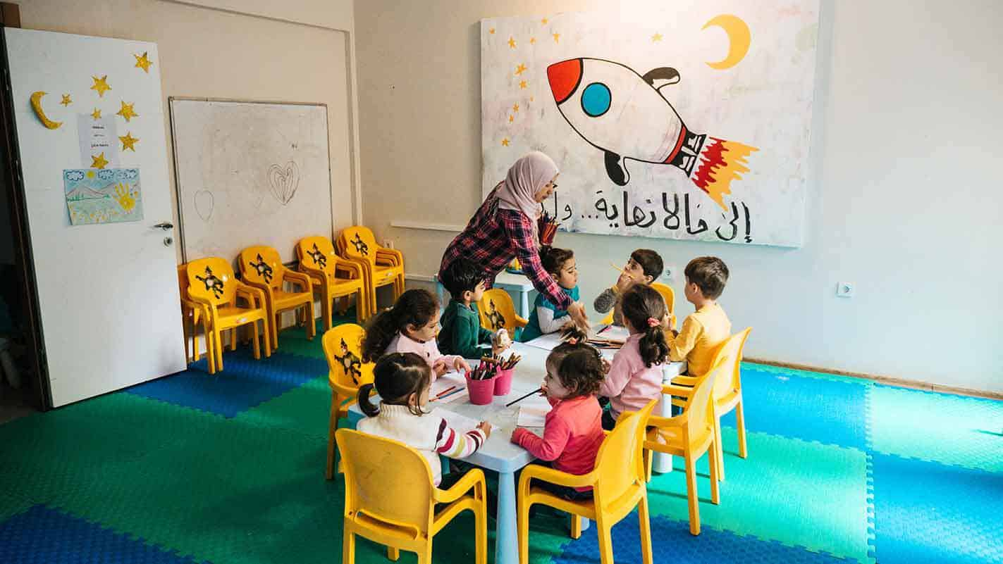 refugee-children-learning