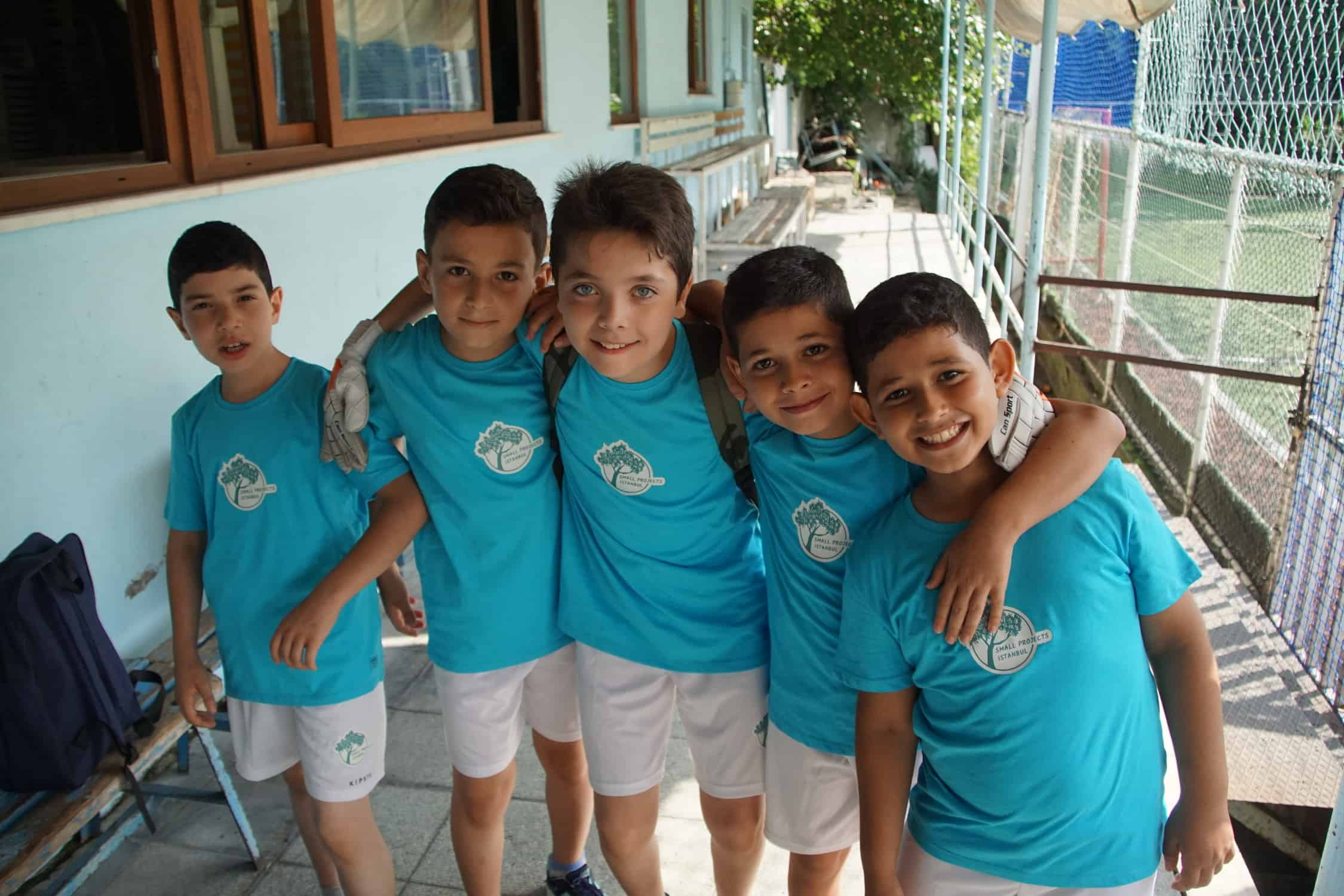 first-blue-footbal-refugee-team-istanbul
